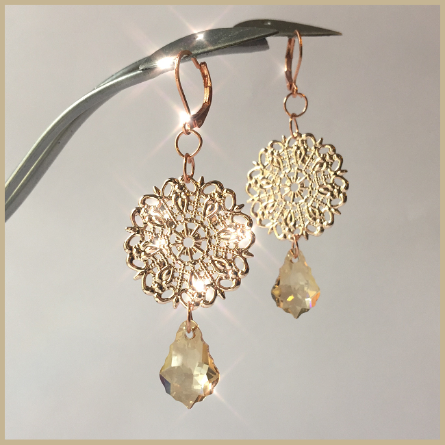 swarovski-crystal-earrings-design-inspiration-crystal-golden-shadow.png